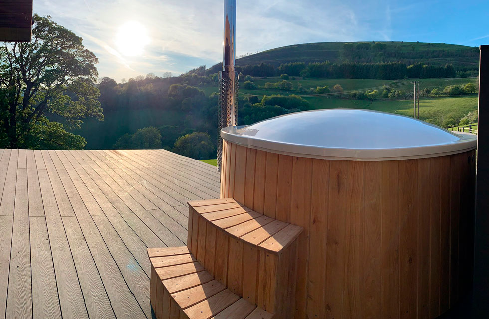 Jaccuzi decking teckwood 1