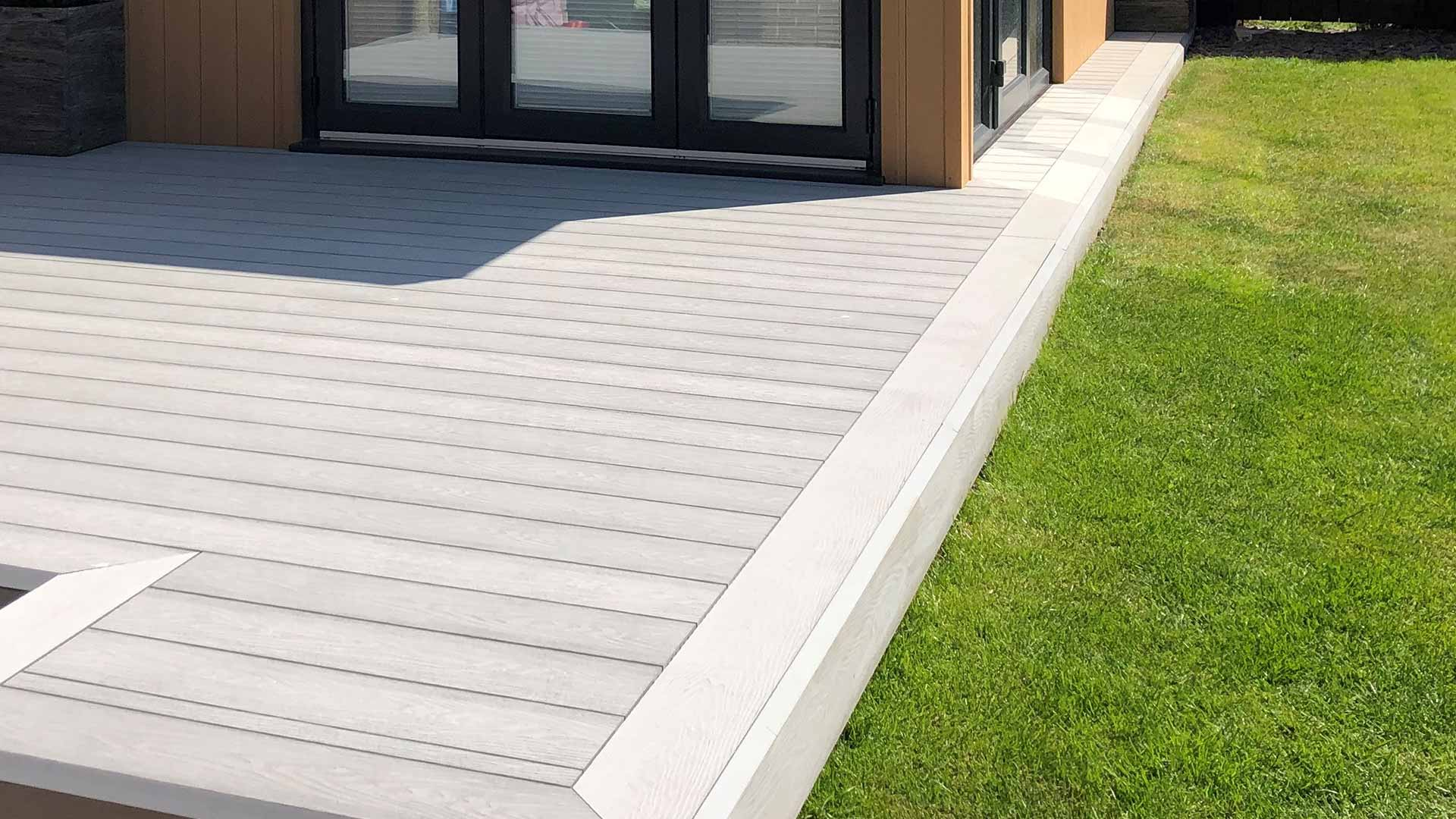 Hallmark composite decking image slider 15